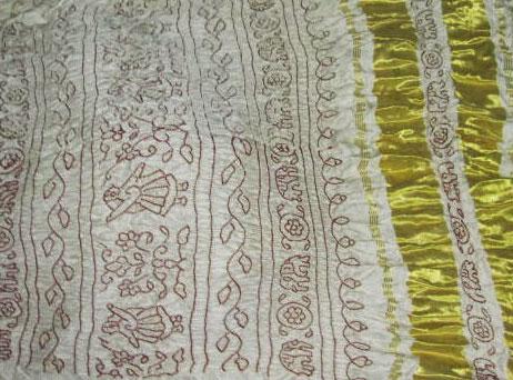 Colour-Discharge-Bandhani-Saree